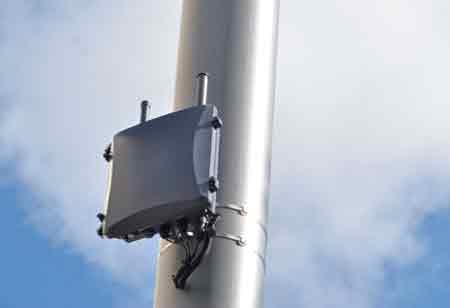 How to Choose Between Small Cell and DAS? Know Them Fully Before Making a Decision!